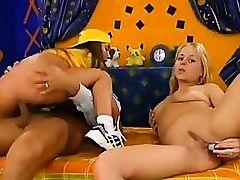 Young schoolgirls threesome