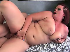 Sexy and chubby plumper shows her oral sex skills with a