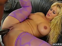 Pornstar bombshell gets her anal hole reamed with massive co