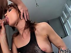 Foxy mature bint has her asshole drilled