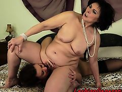 Teen maid licks matures hairy cunt