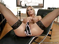 Smoking hot blonde beauty Wivien with medium perky boobs and