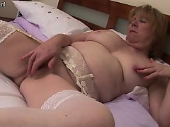 Old british mature pilot masturbat Lakisha from 1fuckdatecom