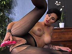 Charming nympho is peeing and masturbating shaved slit58rSW