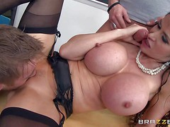 Eva Karera is a super sexy teacher with absolutely amazing