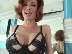 Veronica Avluv is a sexy MILF with perfectly shaped big